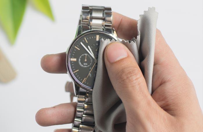 Uhren Reinigung